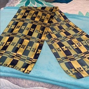 Accessories - university of michigan scarf NEW
